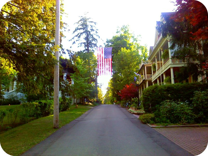 Chat flag street